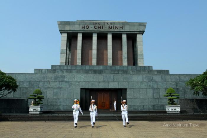 Il mausoleo del primo ministro del Vietnam di Ho Chi Minh ad Hanoi