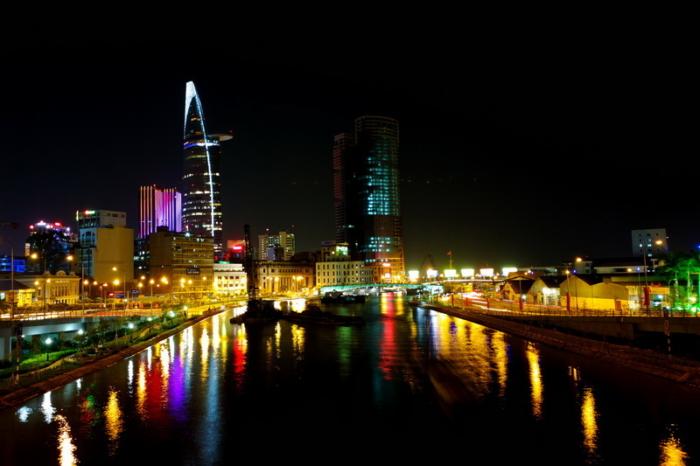 Ho Chi Minh city ( o Saigon) è la città più grande in Vietnam. Trafficato e vivace sono due parole più adatte per descriverla